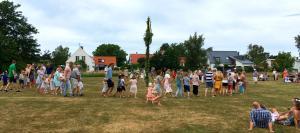 Dans kring majstång Gerdas Äng